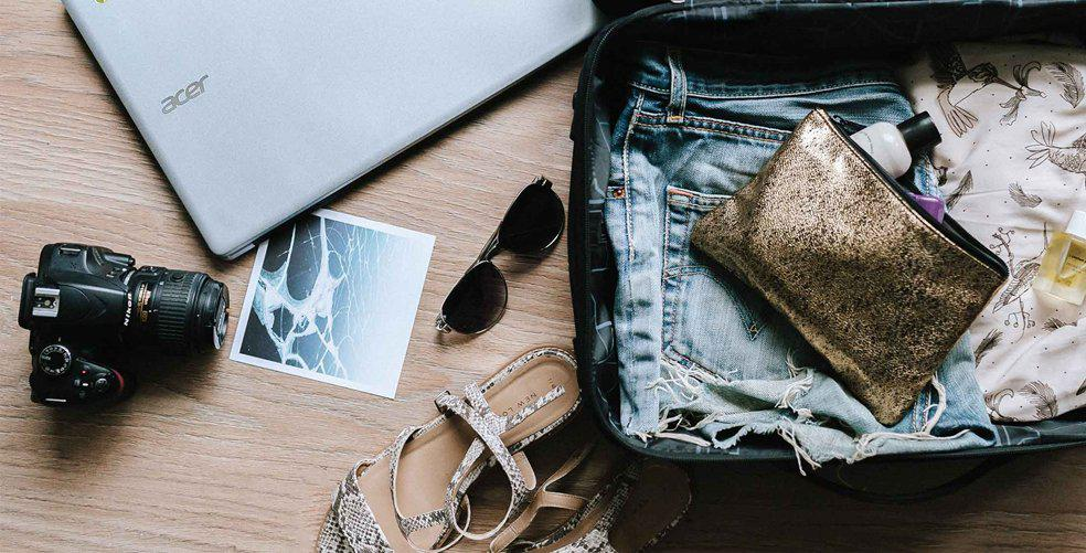 how-to-travel-carry-on-only