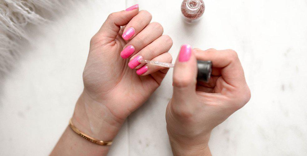 Trending: Acrylic nail designs