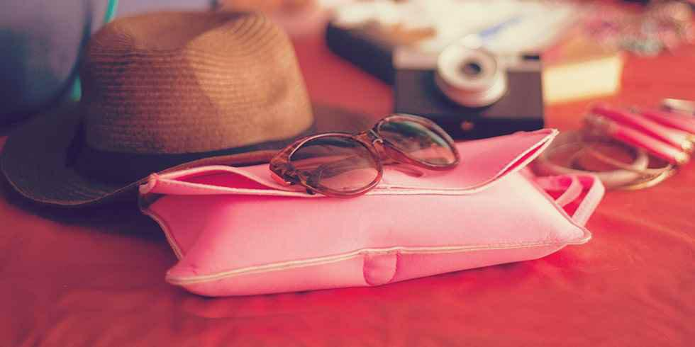7 steps to a capsule travel wardrobe