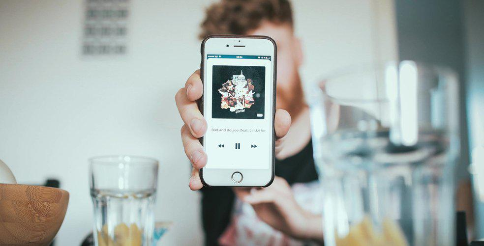 Forget Spotify! Here's why all of your friends are using Apple Music