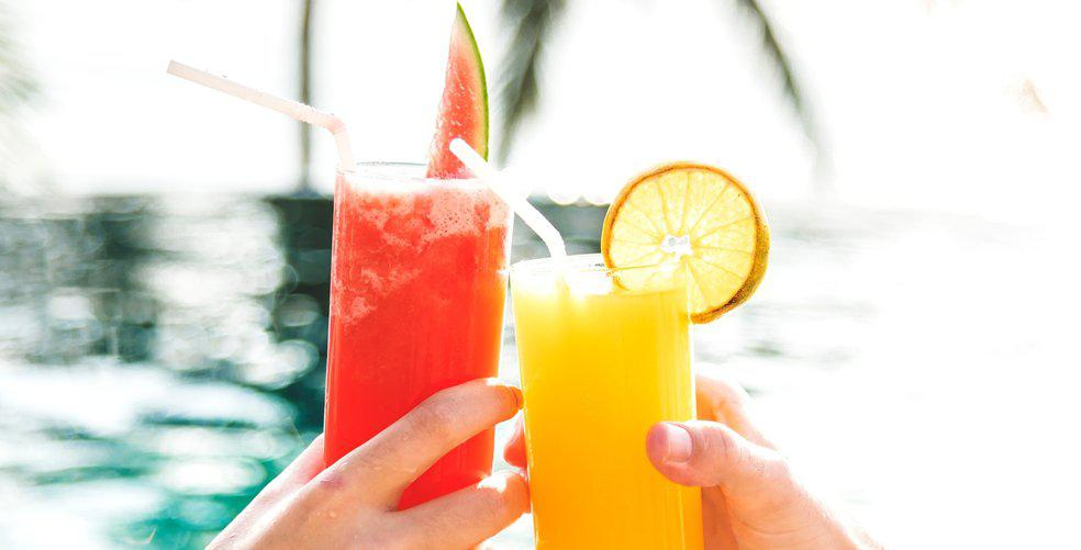 10 cocktails and mocktails that will have you dancing on the table this spring break