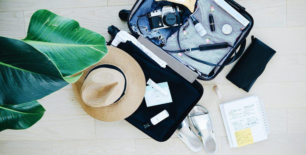 Let's go to the Beach: The ultimate spring break packing list