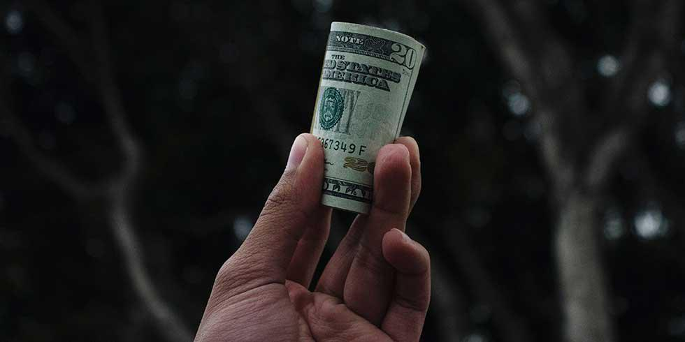 7 Ways to Make Money Over Winter Break
