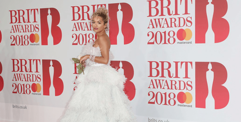 feathers-and-glitter-at-the-brits-2018